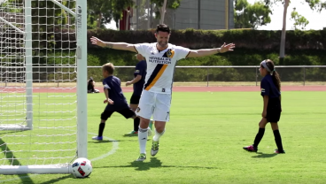 Steven Gerrard and Robbie Keane Take On A Team Of 25 Eight Year Olds