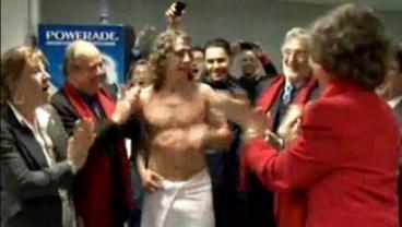 Carles Puyol Greeted The Queen Of Spain Naked After World Cup Victory