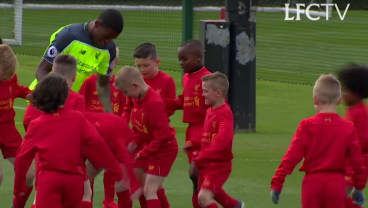 Coutinho and Wijnaldum Take On 30 9-Year-Olds