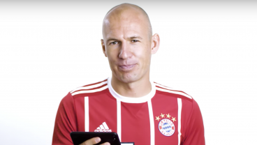 Players Predict Their FIFA 18 Ratings And Robben Admits His Right Foot Is Only For Standing On