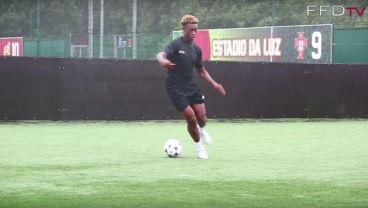 16-Year-Old Callum Hudson-Odoi Primed To Be Next Chelsea Star