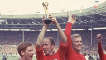 Sir Bobby Charlton Lifting the World Cup
