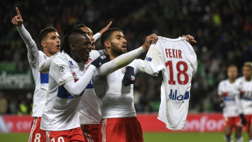 Saint Etienne Fans Invade the Pitch Stopping the Game After Lyon's Nabil Fekir Taunts Them