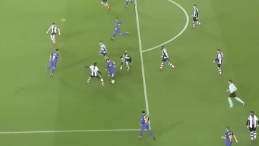Watch Slo-Mo Video Of Messi Dazzling 4 Defenders To Set Up Perfect Assist