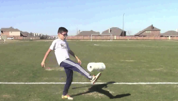 10 Year Old Juggles Household Items That Have Nothing To Do With Soccer