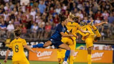 20 Women's Goals That Shocked Men Football Players