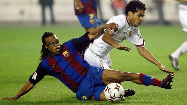 http://the18.com/sites/default/files/u100001394/Edgar-Davids-Barcelona-tackle.jpg