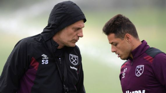 Slaven Bilic and Chicharito