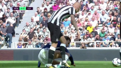 Jonjo Shelvey stomps on Dele Alli