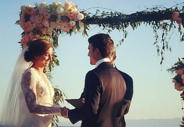 Alex Morgan and Servando Carrasco tie the knot at the altar