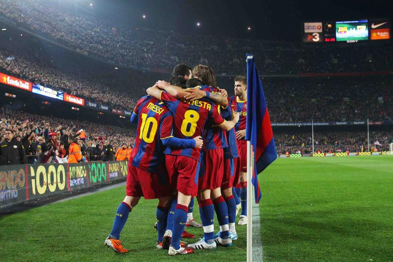 pictures of amazing stadiums, camp nou celebration