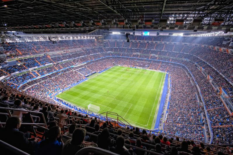 pictures of amazing stadiums, bernabeu crowd